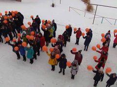 Школьники призвали таличан посетить выборы флешмобом
