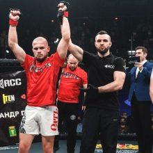 Александр Грозин выиграл бой