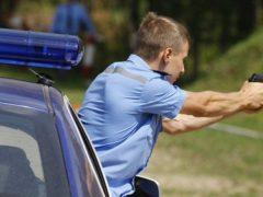 Семь выстрелов по колесам, чтобы остановить лихача