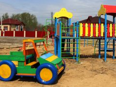 Забота о детях: в микрорайоне «Жемчужина» построили детскую площадку