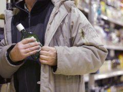 Десять бутылок алкоголя — до пяти лет тюрьмы