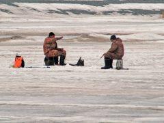 На зимней рыбалке погибла семья