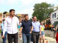 Евгений Куйвашев обсудил с креативной уральской молодёжью её инициативы и новые идеи на площадке старинного завода в Сысерти