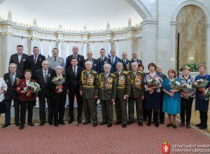 Губернатор вручил ветеранам ВОВ юбилейные медали к 75-летию Победы