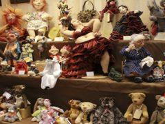 Выставка кукол и цветов