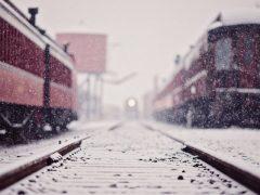Поезд сбил 65-летнюю пенсионерку