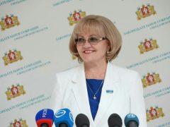 Депутаты рассмотрят установление ежемесячной доплаты заслуженным врачам и педагогам