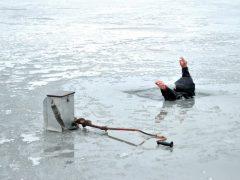Не угоди под лед