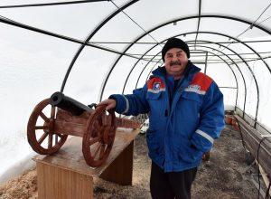 Талицкий пенсионер смастерил карету для… цветов