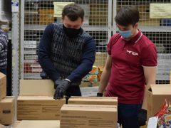 Для детей медработников Свердловской области к Новому году подготовили подарочные наборы