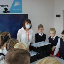 Свердловские школьники выходят на учебу в полном  составе