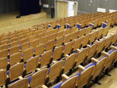 К великой радости таличан в концертный зал «Юбилейного» привезли кресла